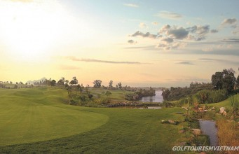 sky-lake-golf-4