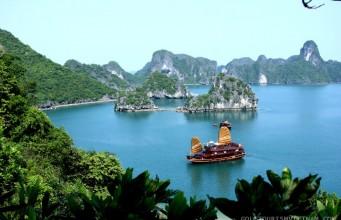 Ha Long Bay - A Treasure Of Vietnam Tourism