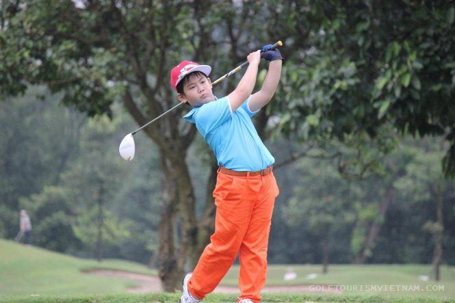 Young Golfer Dang Quang Anh